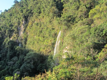 Toroyacu waterfall