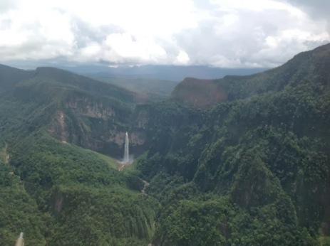 Toroyacu waterfall | Hiking adventures | hiking Peru jungle | hiking tour Peru